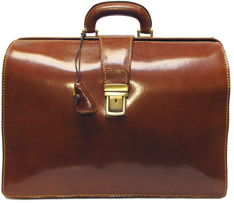 Men's Laptop Bags Technology is given the high fashion treatment thanks to the impressive collection of men's laptop bags at Farfetch. Find some seriously stylish men's designer laptop bags from this luxury edit and revamp your business attire now.