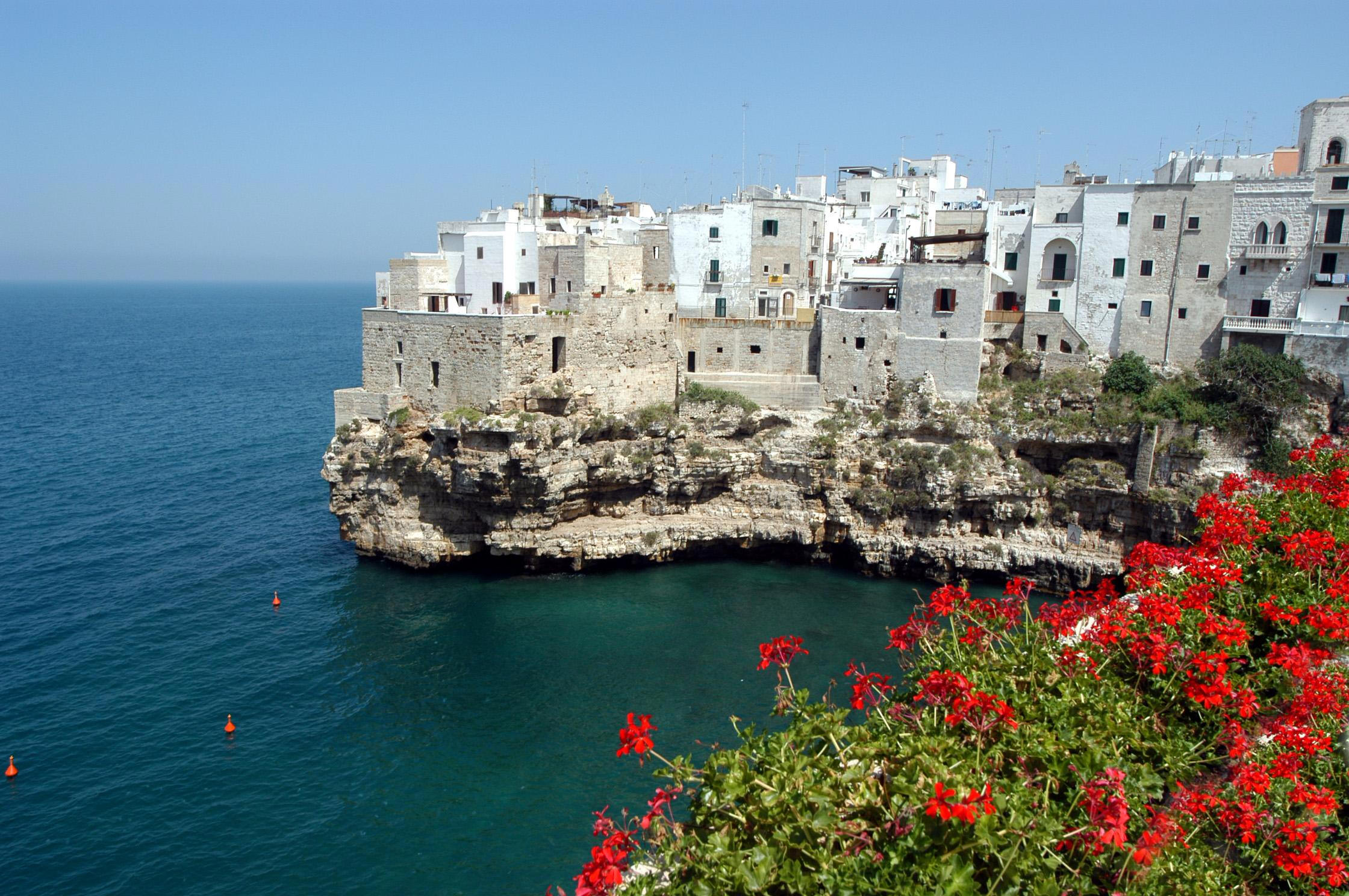 25 Gorgeous And Scenic Seaside Towns In Italy